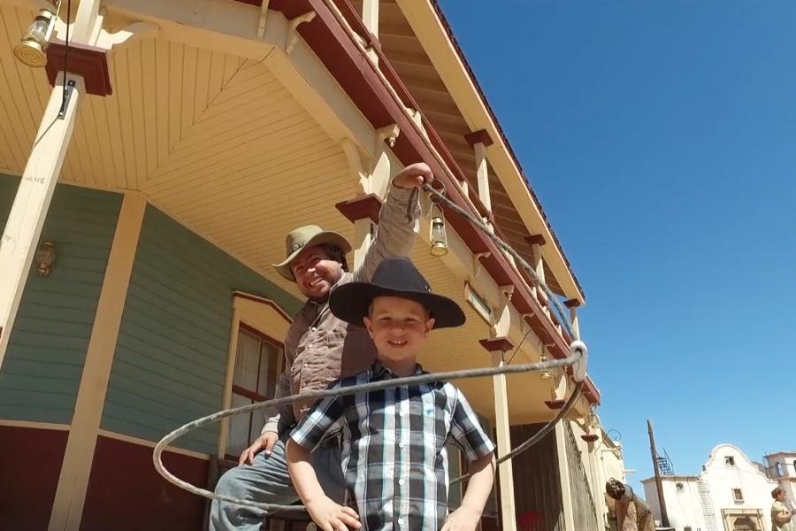 Noam-Cowboy-Weltreise-Kinder-Reise-Blog-Wohnmobil-Kind