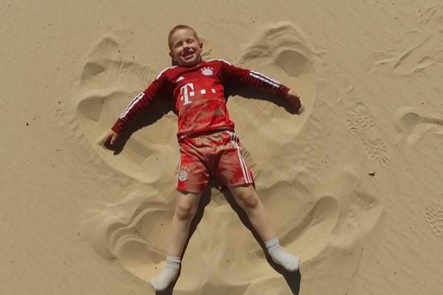 Noam-Dunes-Weltreise-Kinder-Reise-Blog-Wohnmobil-Kind